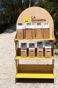 Espositore in Legno per Prodotti La Ghianda